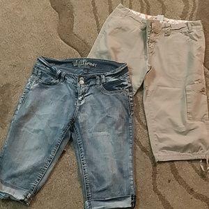 Lot of 2 shorts size 13 Roxy / wallflower